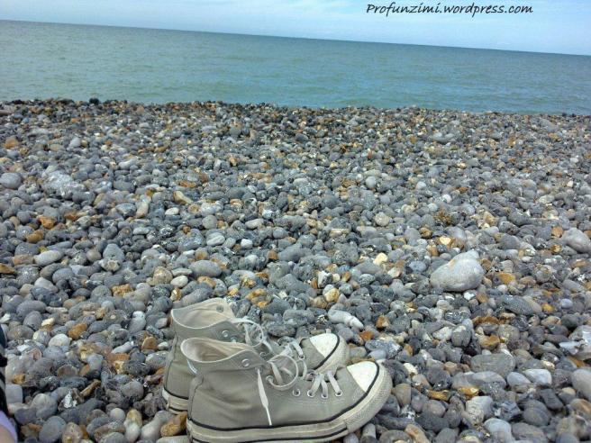Pe plaja o vara trecuta